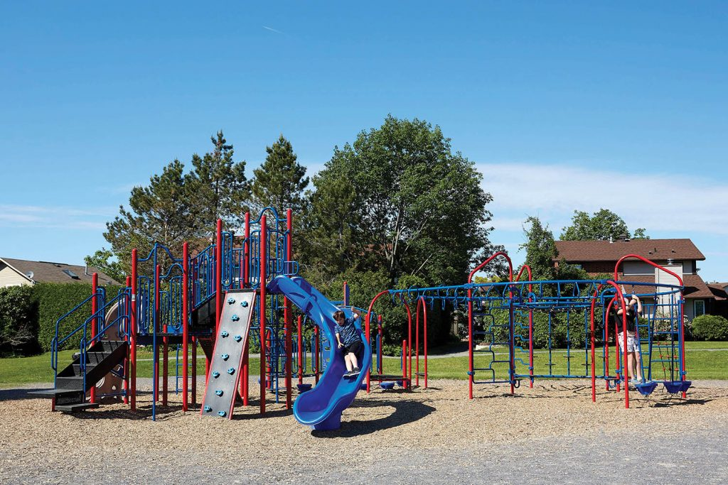 B305262R0 PlaySteel FIT Playground